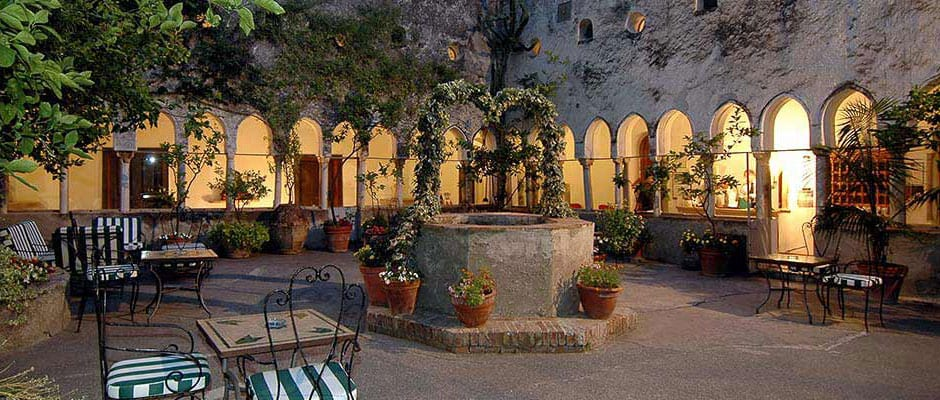 Kloster fra 1200-tallet i Amalfi